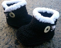 UGG Style Baby Boots 0-3 Months. Fur Boots. Crochet Baby Booties Made of Pure Australian Wool