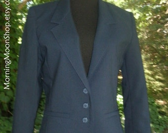 VINTAGE Navy Blue Blazer, SCHOOLGIRL JACKET, Classic Preppy Style, 1980s Clueless, cute 1970s uniform, three buttons lined, Autumn/Fall, Sm