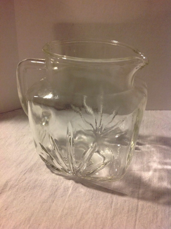 Federal glass starburst 2 quart pitcher by jennifersvintagefind - Starburst glassware ...