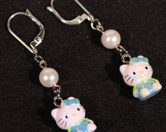 Kitty Earrings In Pearl and Turquoise Blue