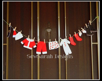 ITH Santa Clothes Line Door Hanger (4x4)