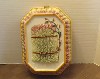 Asparagus Bowl Wall Ornament - Labeled