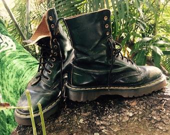 Vintage 80s Dr. Marten boots