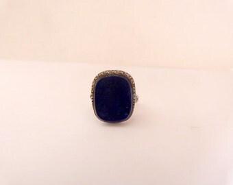 Vintage ring lapilázuli designed in stone, platinum and diamonds