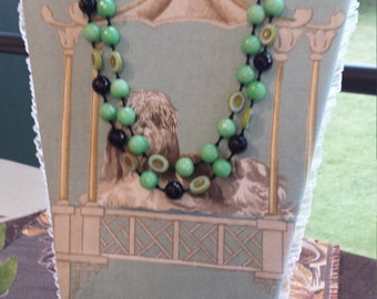 Two strand beaded necklace jade and black onyx