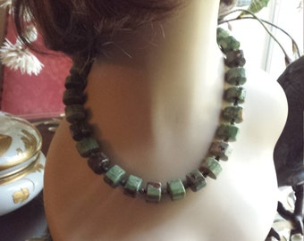 j one strand necklace made with chrysophrase