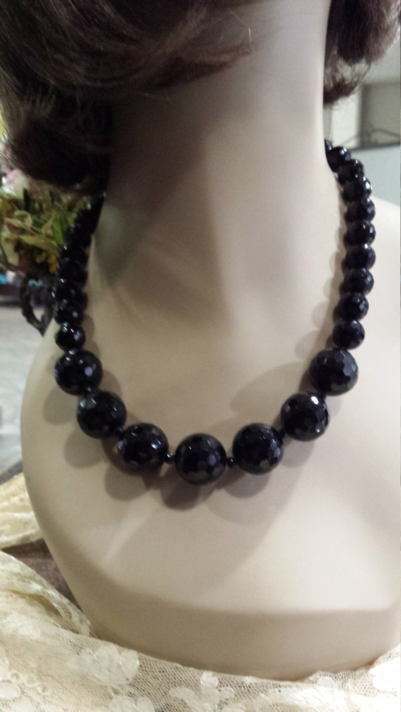 One strand faceted black onyx beaded necklace