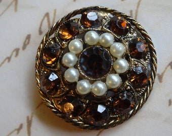 SALE!  REDUCED PRICE!  Beautiful Old Jewelry Button
