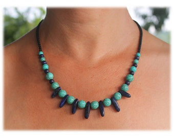 Spiky Necklace with dark-blue quartz and turquoise beads / Beaded Macrame Necklace