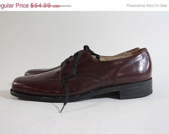 ON SALE Vtg Florsheim Burgundy Leather Oxford Shoe 9 B