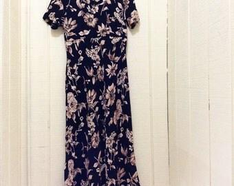 Vintage earth tone maxi dress. Black Floral print vintage dress. Fall nylon dress