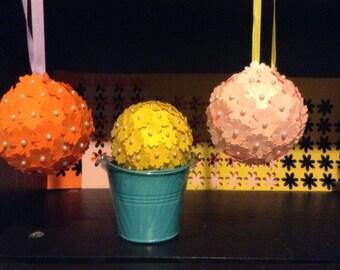 Flower hanging balls