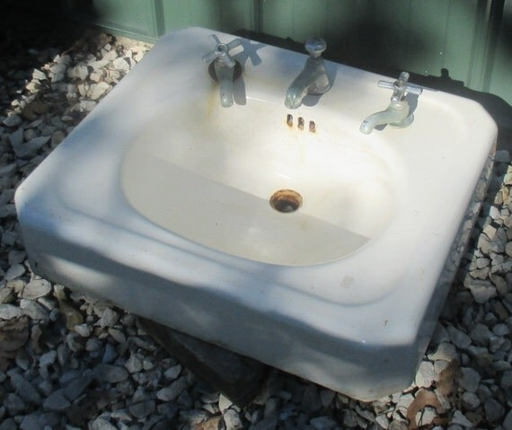 Antique porcelain bathroom lavatory kitchen sink cast iron farm pantry doctor f from Vintage porcelain bathroom sink