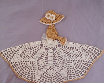 Girl Doily, gifts for grandma, gifts for mom, delicate doily, old fashioned doily, crocheted gift, handmade doily, home decor, table decor
