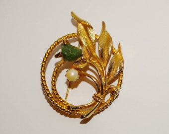 Free Shipping Vintage Sarah Coventry Stamped, gold tone Elegant Brooch.