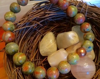 Unakite and copper stretchy bracelet