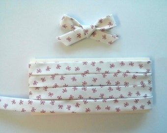 "MADE to ORDER - Red Bows on White Double Fold Bias Tape - 3 yards, 1/2"" wide"