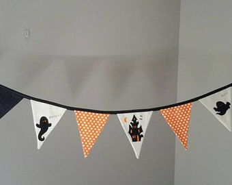 Halloween Bunting/Banner - Haunted House and it's Residents! By Beespoke Bunting.