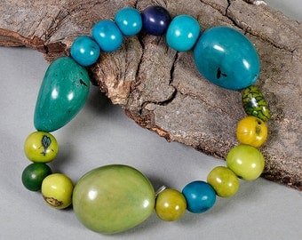 Tagua elastic bracelet, green turquoise bangle, vegetable ivory, eco jewelry, acai jewelry, woman gift, stacklable bangle.