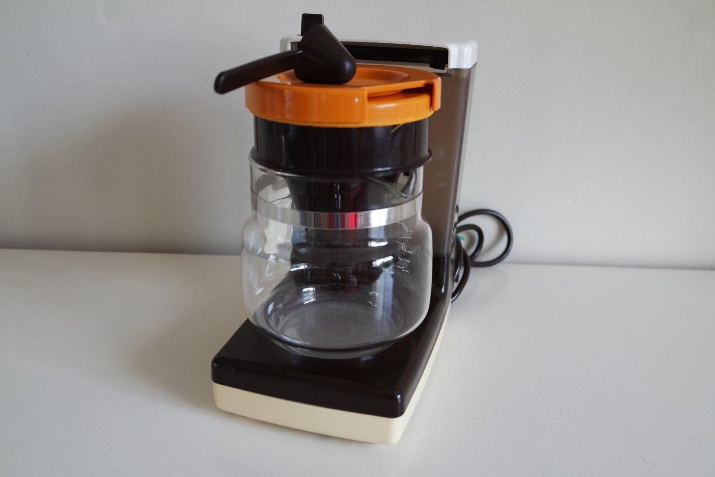 cafeti re lectrique 8 tasses philips marron par. Black Bedroom Furniture Sets. Home Design Ideas