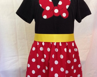 Minnie Mouse- inspired comfy t-shirt dress, sizes 2 and 3 (ages 2-3, 3-4)