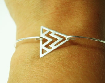 Thin triangle for a Bohemian (boho) look 925 sterling silver bracelet
