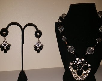 Black, Crystal & Bling Jewelry Set - Women's Jewelry Set - Black Earrings - Black Necklace - Large Pendant Jewelry Set - Glass Bead Necklace