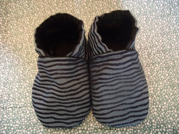 Blue with black stripe pattern baby booties with black inside -  Size US 2 for 3 - 6 Months