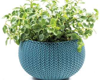 Planter. Most Unique Planter. Cozies planter. Braid inspired knit design.