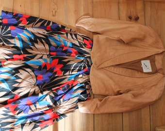 Ladies Vintge 1980s Printed Circle Skirt fits UK size 6-8