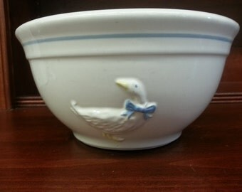 """Vintage McCoy Ceramic Mixing Bowl #2108 with Duck - 8"""""""