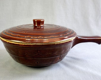 Mid-Century Marcrest Daisy Dot Stoneware 1.5 Quart French Casserole with Lid