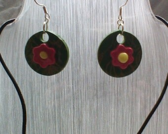 Flower power necklace and earring set