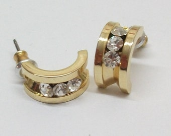 Gold Stud Earrings with crystals MO100