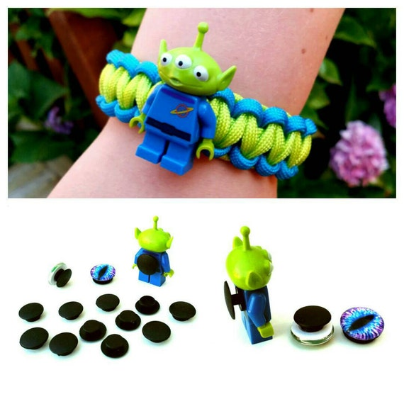 Make Your Own Charm Bracelets: 100 DIY Paracord Charm Attachments Make Your Own Croc Charms