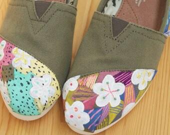 NEW RELEASE // Sakura Embroidery // Custom Toms