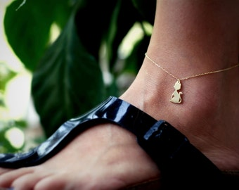 Cat Print Anklet / Sitting Cat Anklet / Cute Cat Charm Anklet / Silver, Gold Plated or Rose Plated.