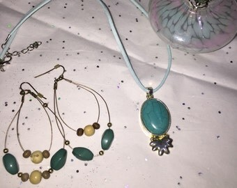 Classy Turquoise SS handmade vintage estate jewelry set. Made early 1980's...