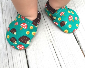 Hedgehog baby shoes girl baby booties baby soft sole shoes girl toddler shoes vegan baby shoes crib shoes mushroom shoes flower baby shoes