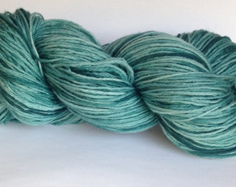 Hand dyed 4 ply wool - Mint Crisp