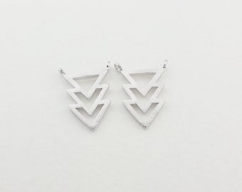 P0031/Anti-Tarnished  Silver plating over Brass/Overlaped Three Triangles Pendant connector/10.4 x 13.4mm /2pcs