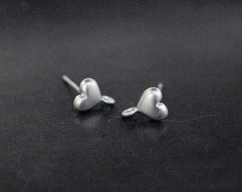 E0012/Anti-tarnished Rhodium Plating Over Brass+Sterling Silver Post/Heart Earrings/8x5mm/2pcs