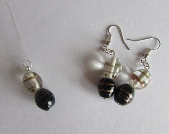 Black & White Glass Necklace/Earring Set