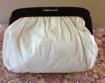 Vintage White Genuine Leather Clutch Purse. Made in Italy.