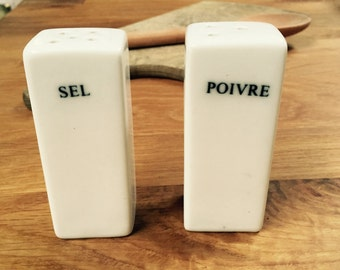 Black and White Salt and Pepper shakers. French Vintage Sel, Poivre pots. Pillar condiments. Kitchenalia, Dining.
