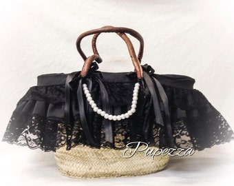 straw bag with leather handles with Black Lace lining