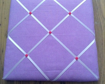 Purple spotted French style memo board