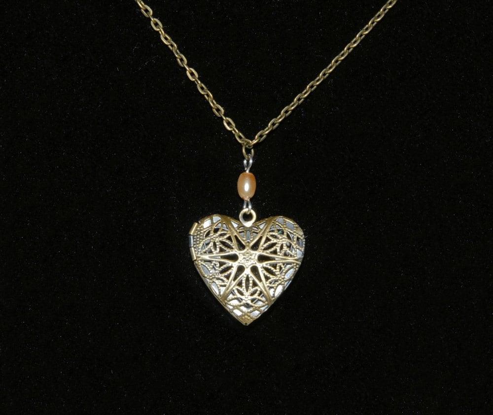 aromatherapy diffuser locket pendant necklace filigree