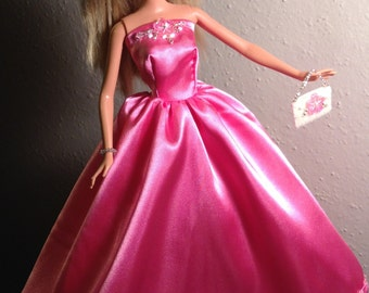 Barbie pink party dress and accessories