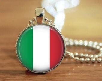 Italian Flag Pendant, Italian Flag Keychain, Italian Flag Necklace, Italian Flag Jewelry, Italy Flag, Italy, Italy Jewelry, Italian Jewelry